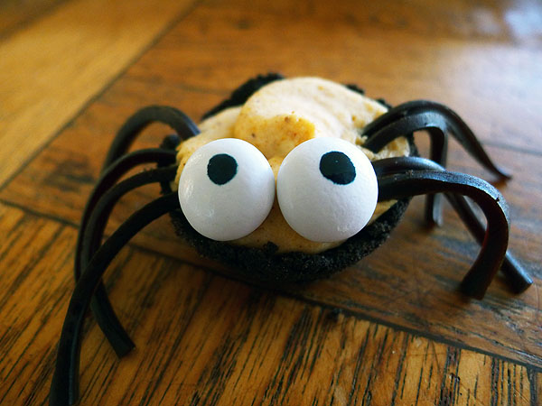 chocolate and pumpkin halloween spiders