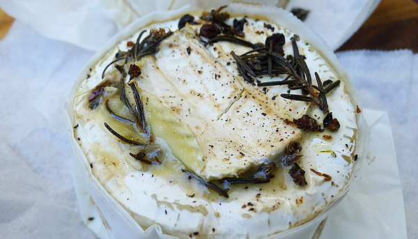 Molten Brie Recipe, Quick & Easy Entertaining