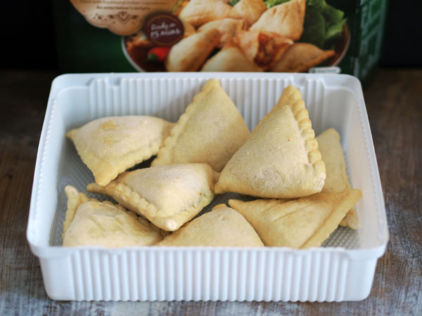 authentic vegetable samosas