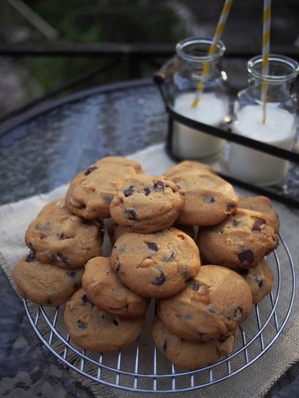choc chip brazil nut cookies