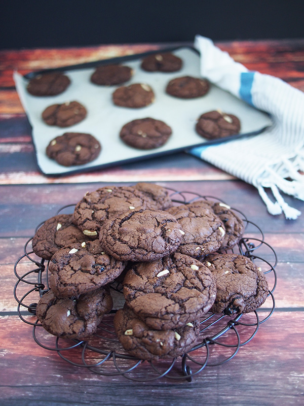 chocolate sour cherry biscuits