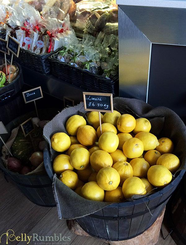 Albero-Di-Lemone-Tree-Lemons