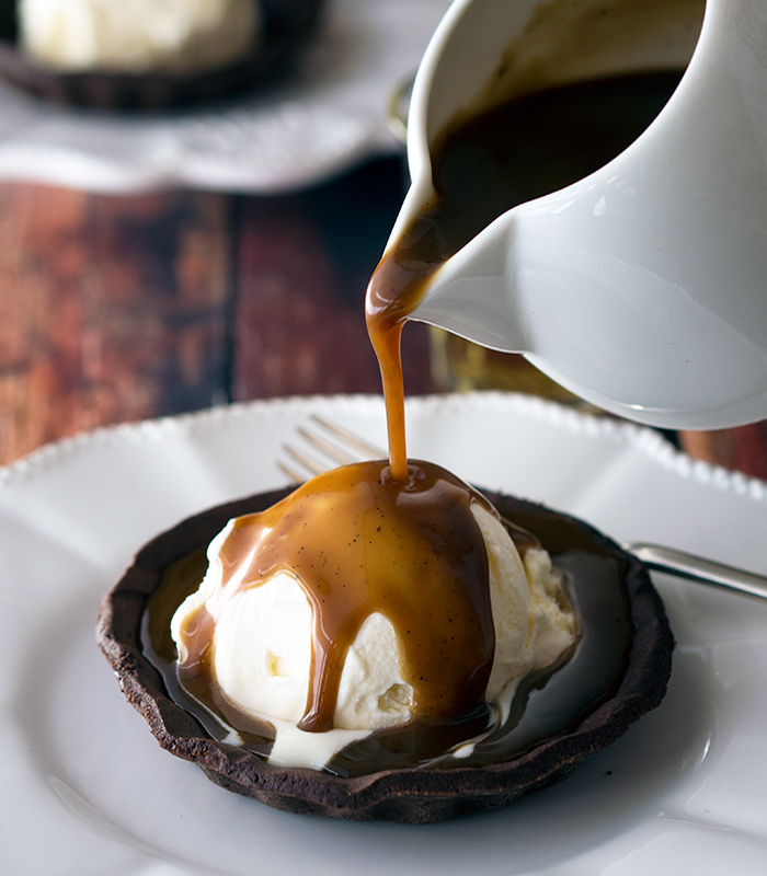 Affogato Tarts, quick and simple dessert recipe that will have family or guests wanting more | www.bellyrumbles.com