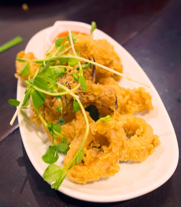 Baitong-Thai-salt-and-pepper-squid