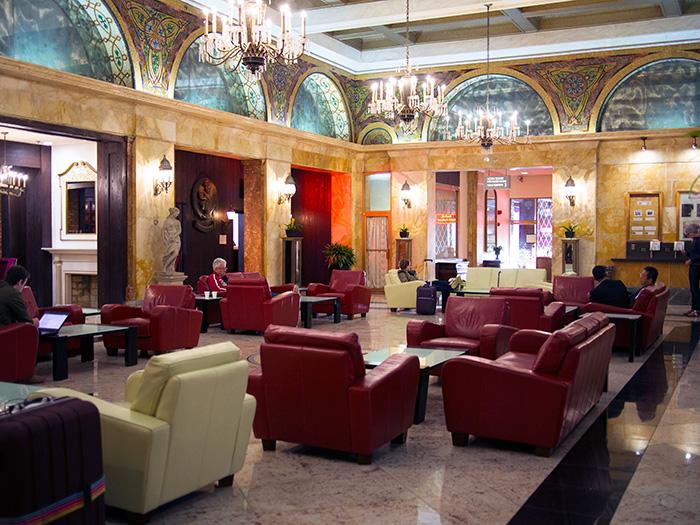 Congress-Plaza-Hotel-Chicago-lobby