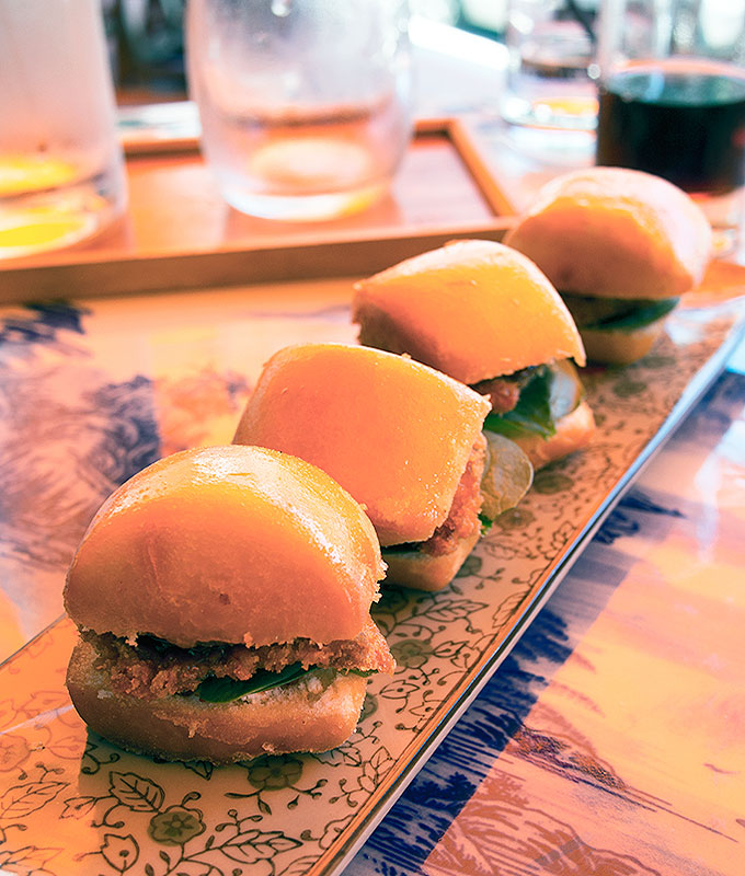Puer-Hong-Kong-Mini-Burgers
