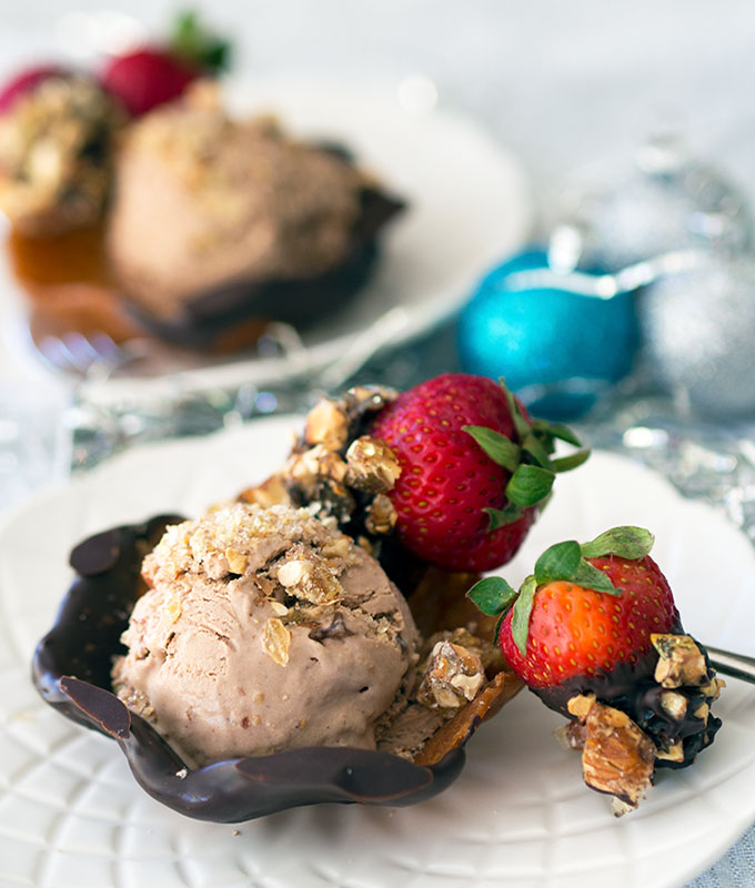 Chocolate Cheesecake Ice Cream with almond praline | www.bellyrumbles.com