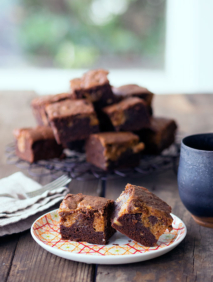 Chocolate Banana Brownies with Dulce de Leche | www.bellyrumbles.com