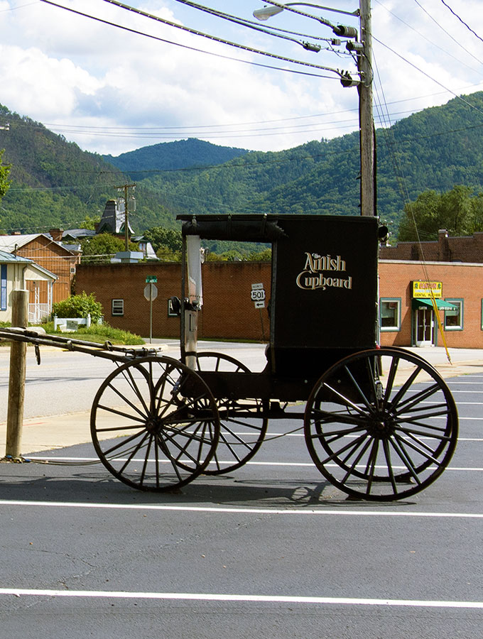 The Amish Cupboard, Buena Vista, Virginia | www.bellyrumbles.com