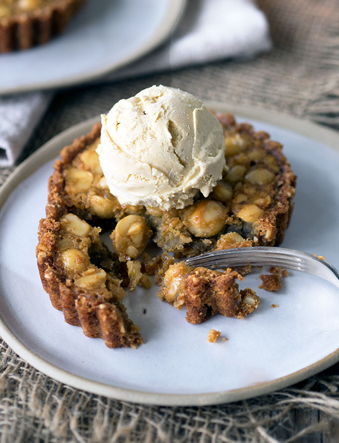 Macadamia Nut Tarts with Golden Syrup Ice Cream | www.bellyrumbles.com
