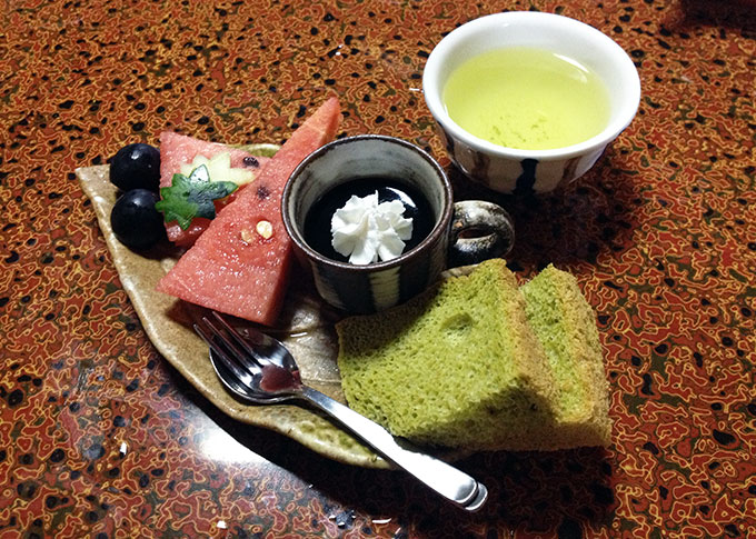 Dessert, green tea cake and fruit