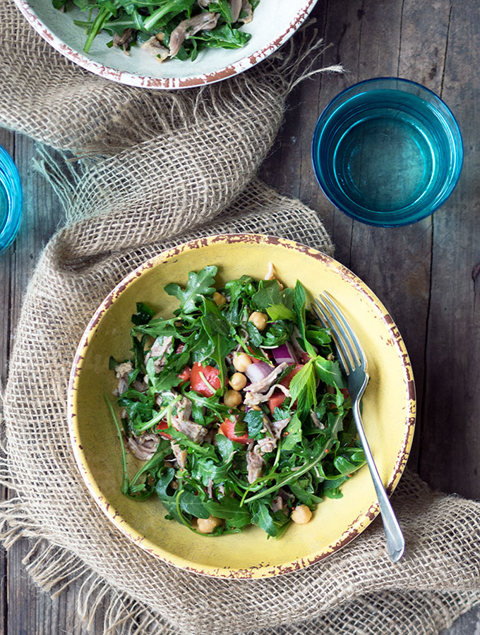 Healthy Recipe: Pulled Pork, Herb & Chickpea Salad with zingy lemon & garlic dressing | www.bellyrumbles.com