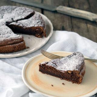 How to make 2 ingredient Nutella cake
