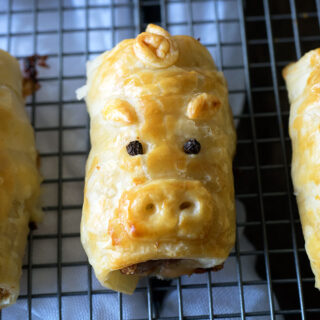 Pork Bacon and Cheese Sausage Rolls, AKA Piggie Rolls! www.bellyrumbles.com