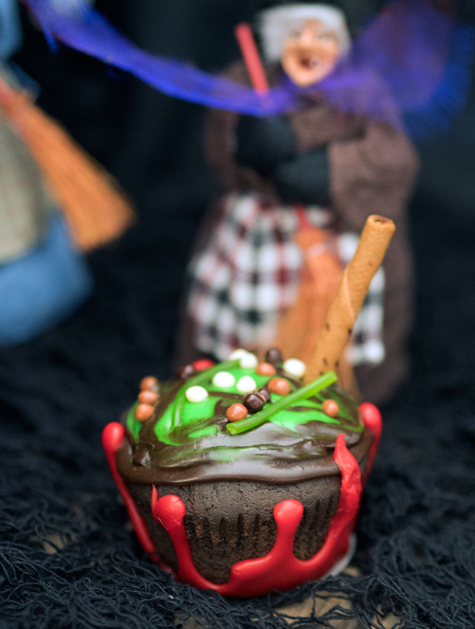 Witches Cauldron Cup Cakes