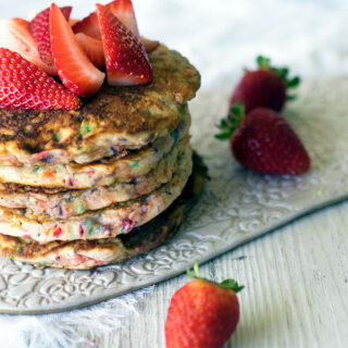 Funfetti Pancakes ~ a breakfast full of rainbow colours