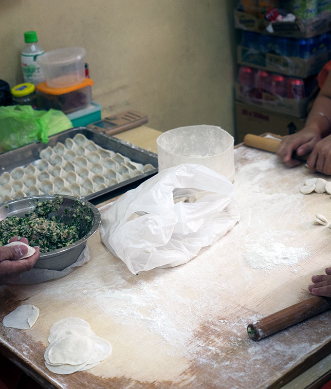 The Oldest Chinatown in the World, Binondo Manila – Dong Bei Dumpling Restaurant, the best Kuchay Dumplings (steamed pork and chive dumpings) in Manila's Chinatown.