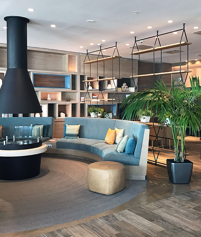 Hilton Hotel Auckland Review: 5 star Auckland hotel, waterside position, outstanding views, one of the best hotels to stay in Auckland.