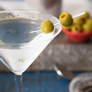 Classic Martini Recipes – Should a martini be served shaken or stirred? Has James Bond been getting it right all these years?
