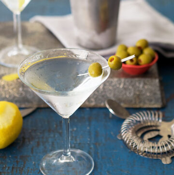 Classic Martini Recipes – Should a martini be shaken or stirred? Has James Bond been getting it right all these years?