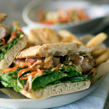 Teriyaki chicken burgers are quick and easy to make, and flavour packed