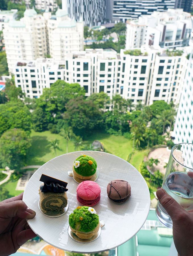 Afternoon tea at the Horizon Club Shangri-La Singapore