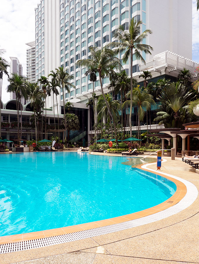 Shangri-La Hotel Singapore Swimming Pool