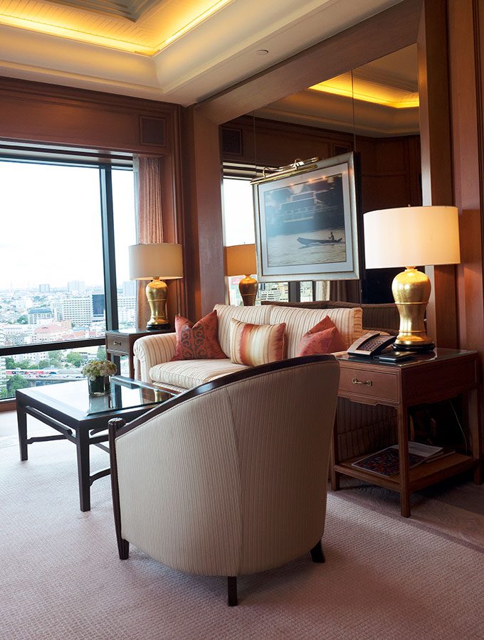 Deluxe Suite Lounge Room, the Peninsula Hotel Bangkok, The Peninsula Hotel Bangkok is a tranquil escape situated on the Chao Phraya River