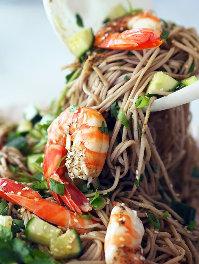 soba noodle salad with prawns, coriander, ginger and tahini, simple and easy