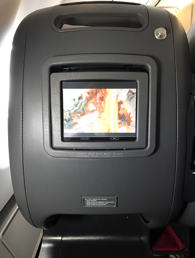Qantas Business Class Sydney to Singapore QF005 Airbus A300 In Flight Entertainment