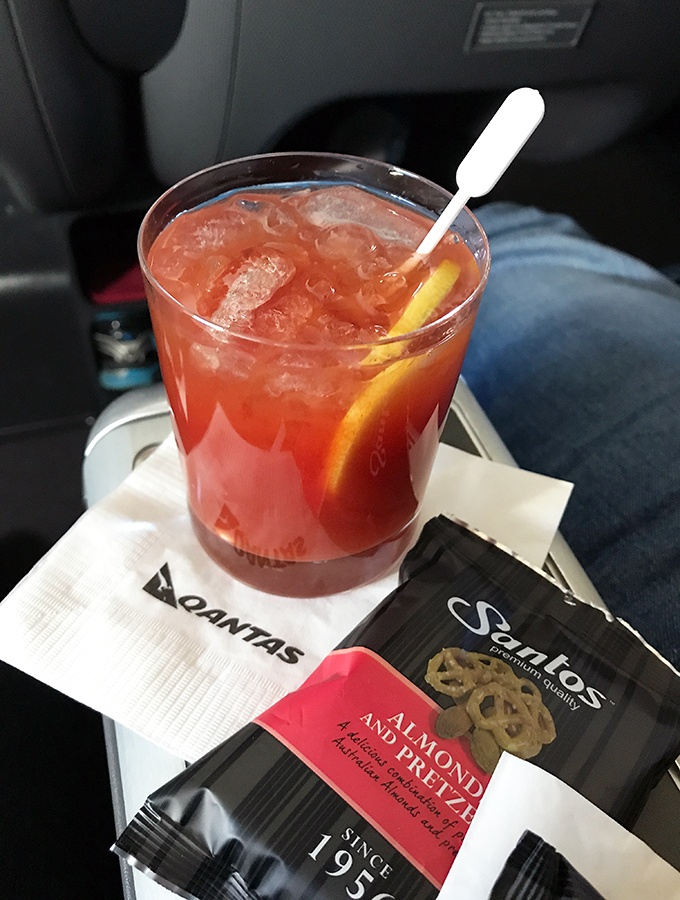 Qantas Business Class Sydney to Singapore QF005 Airbus A300 Pre Dinner Cocktail Bloody Mary