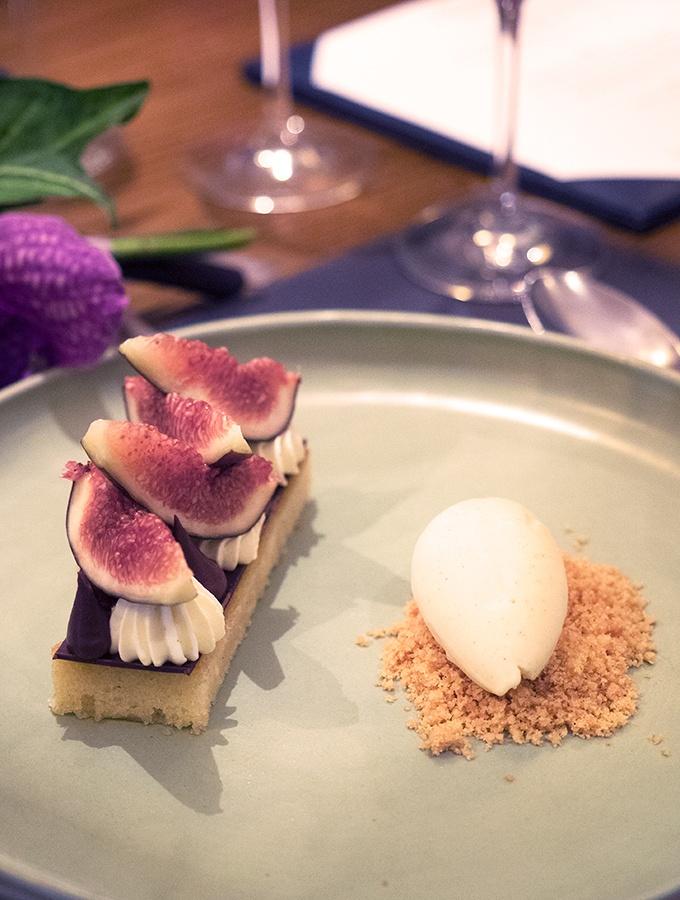 Mode Kitchen & Bar - Ricotta cheesecake, fresh figs & vanilla