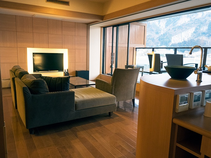 The spacious lounge in our room at Kozantei Ubuya. With views of Mt Fuji the TV didn't get turned on once.