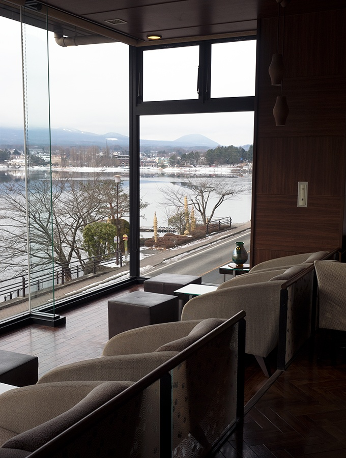The guest lounge at Kozantei Ubuya offers outstanding views of Mt Fuji
