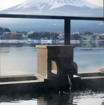 Kozantei Ubuya Ryokan offers luxury Mt Fuji view accommodation with outdoor private baths. Located on the banks of the Kawaguchiko Lake, there are incredible views from your room across the lake of Mt Fuji.