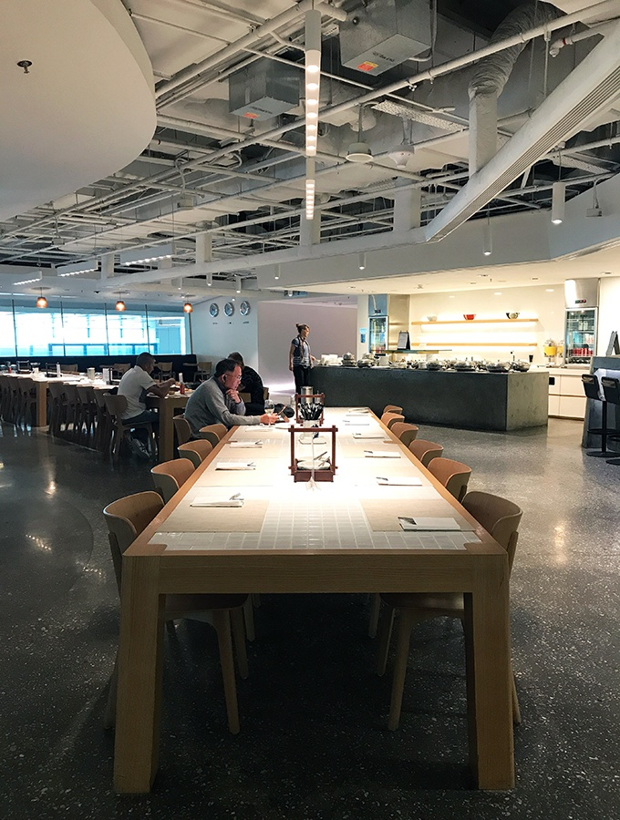 The Qantas lounge at Changi Airport is located in Terminal 1. It has a great airy industrial feel.