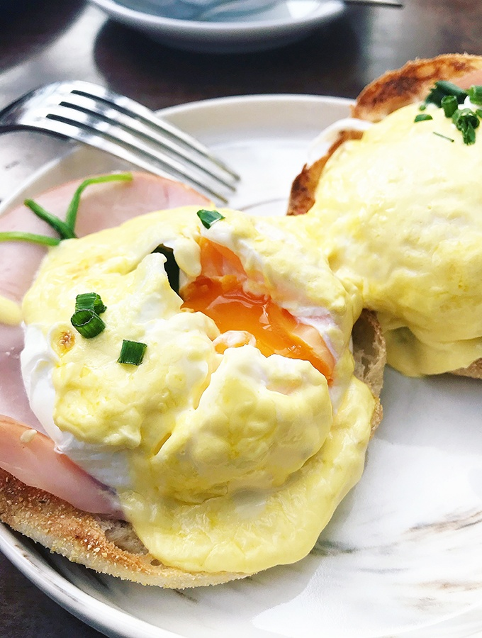 Crowne Plaza Terrigal Seasalt Restaurant Breakfast Buffet - The egg station does eggs benedict to order