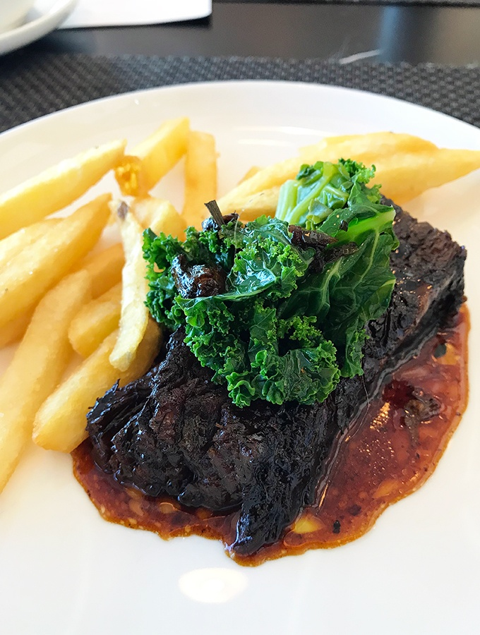Qantas First Class Lounge Sydney - Slow cooked beef brisket
