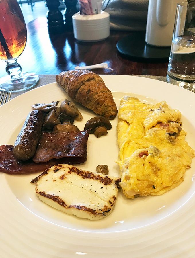 Al Forsan Restaurant Bab Al Shams Breakfast buffet