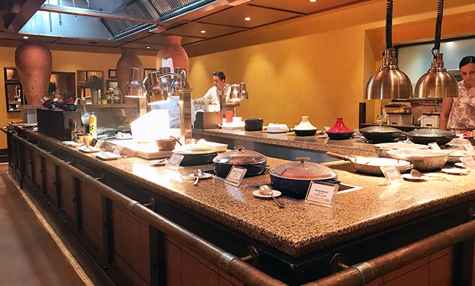 Al Forsan Restaurant Bab Al Shams Breakfast buffet