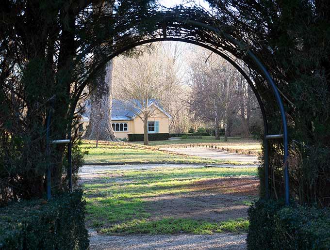 mona farm garden