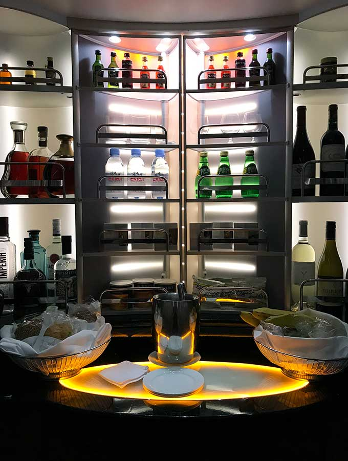 Emirates First Class Sydney to Bangkok first class self serve bar