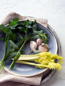 Herbs for the brine to brine whole turkey breast