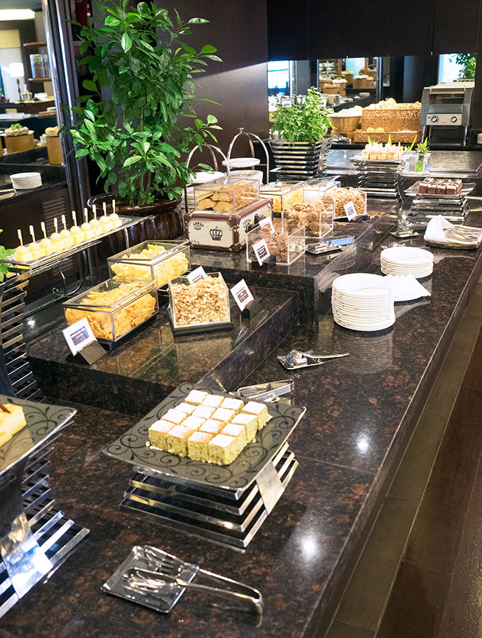club lounge buffet at Sofitel Philippine Plaza Manila