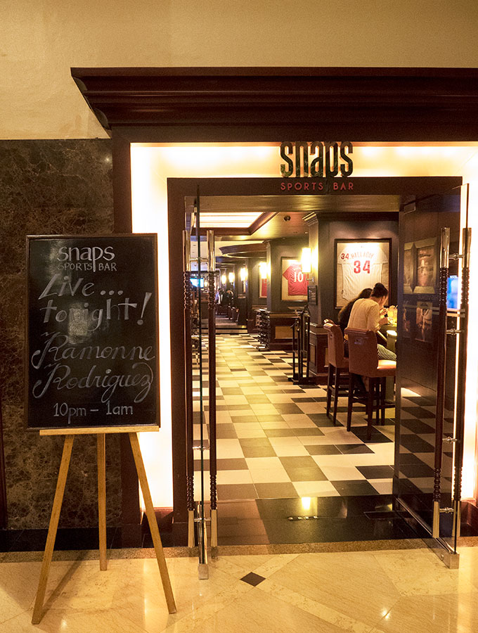 entrance to snaps sports bar at Sofitel Philippine Plaza Manila