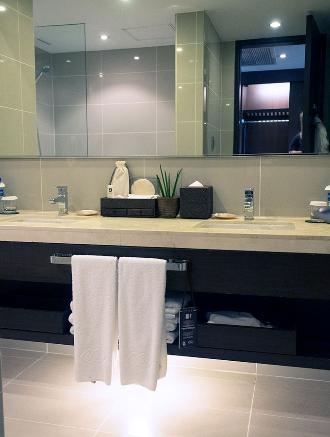 hand basin in bathroom at Sofitel Philippine Plaza Manila