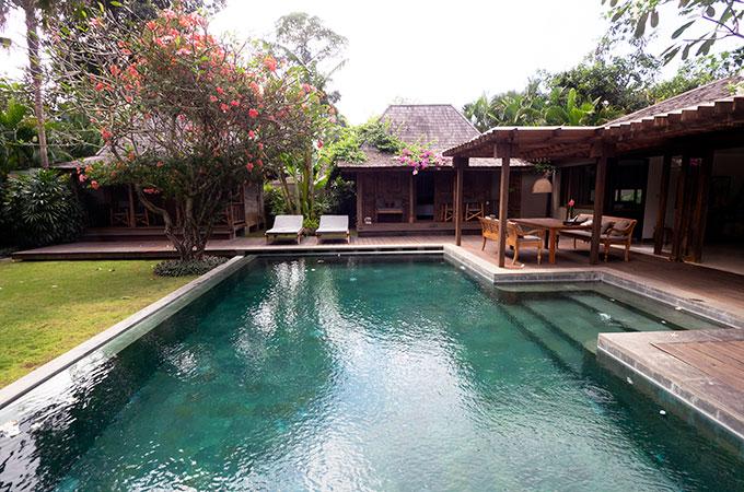 pool at villa amore