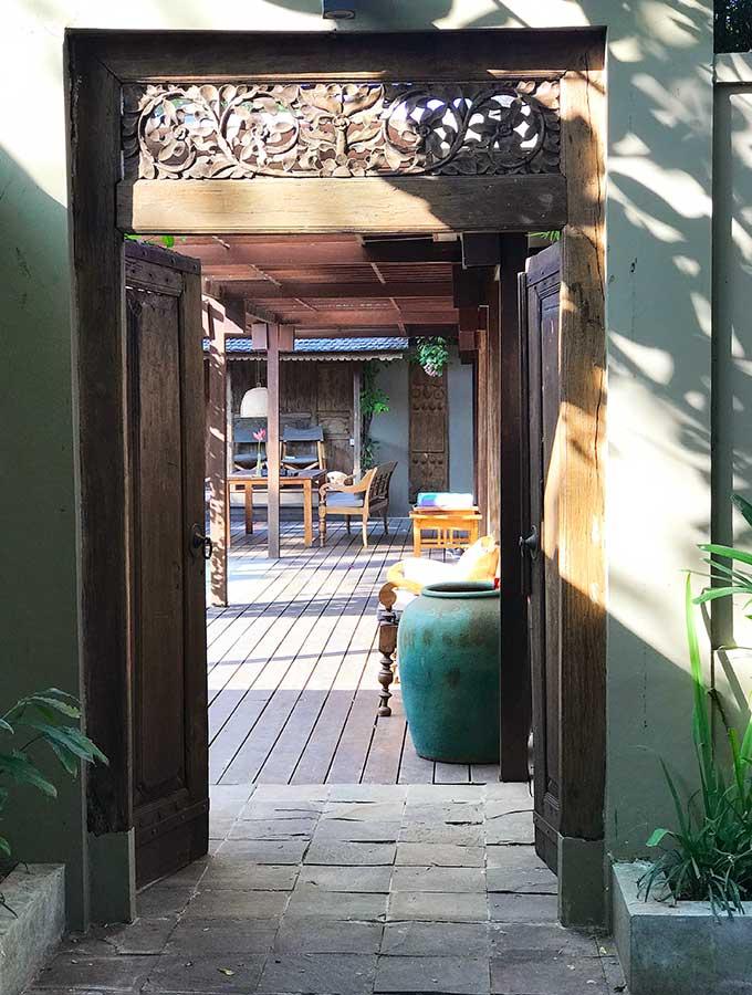 door leading in to villa amore