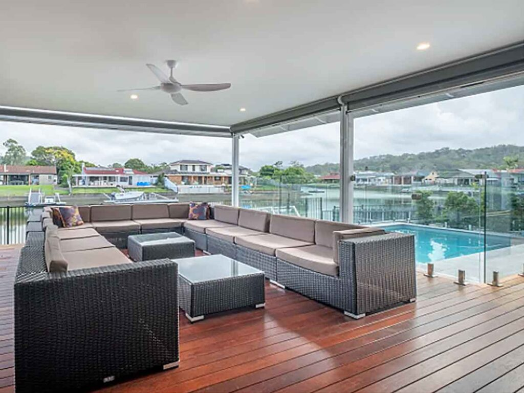 gold coast airbnbs outdoor lounge area near the pool
