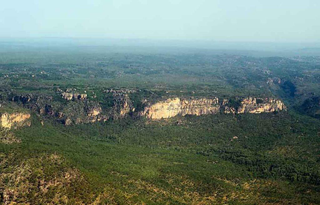 escarpment in Nitmiluk National Park from a plane